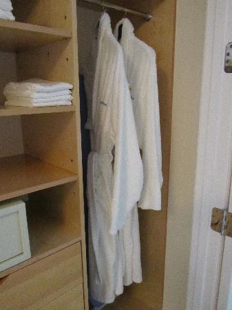 Seven Stars Resort & Spa: big closet in hallway and robes which we used everyday!