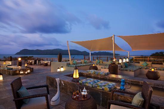 رافلز براسلين سيشيلز: Takamaka Terrace Lounge