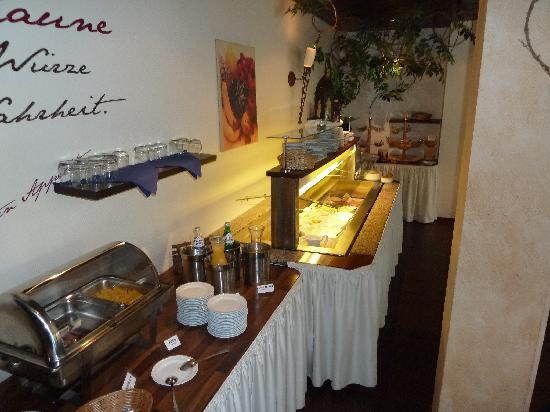 Parkhotel Papenburg: breakfast buffet