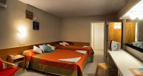 Golden Gate Club Hotel : rooms