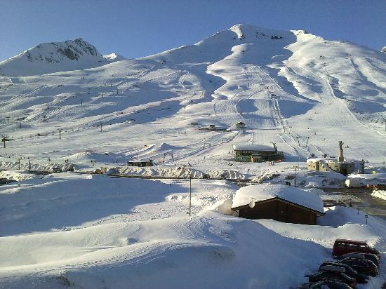 Hotel Savoia: Some of the (easy) northern slops viewed from the hotel