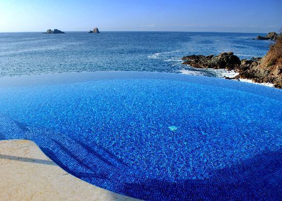 Cala de Mar Resort & Spa Ixtapa: main pool