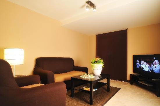Hotel San Marco: TV Room