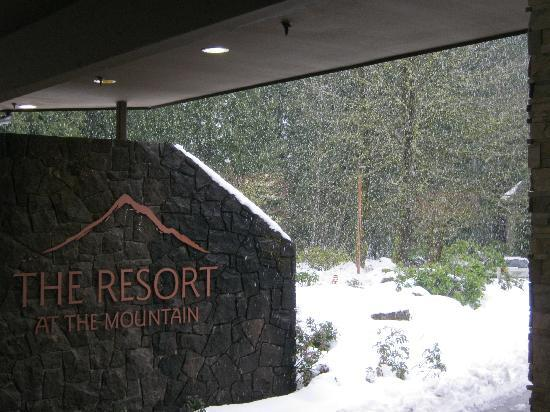 Resort at The Mountain, BW Premier Collection: View of front of the resort