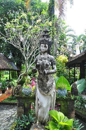 Dewi Sri Bungalows : Dewi Sri