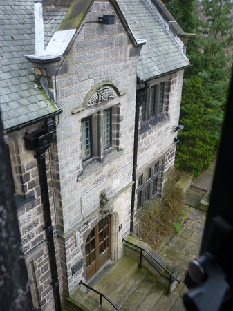 Innkeeper's Lodge Harrogate-West: Period rear. Kitchens.