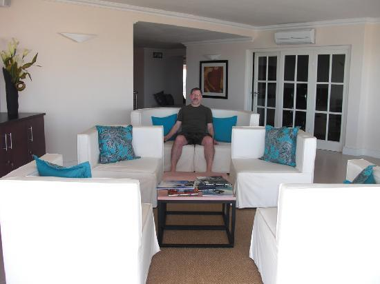 The Sir David Boutique Guest House: Common Living Area