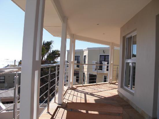 The Sir David Boutique Guest House: Balcony