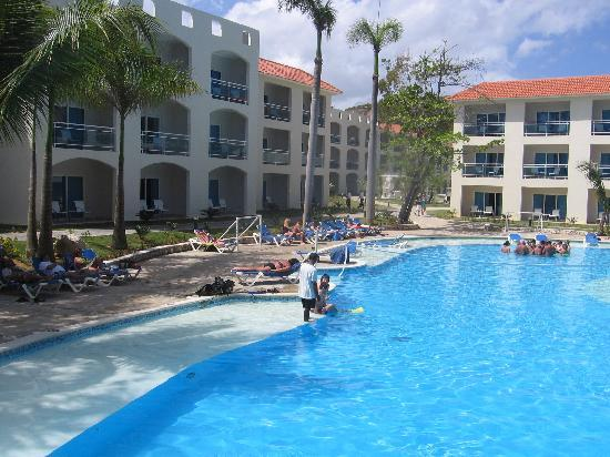 Cofresi Palm Beach Spa Resort Pool By The