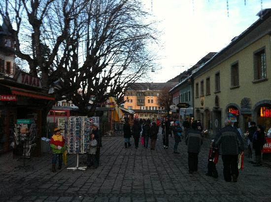 Kirchenwirt Hotel: Town square in Schladming.