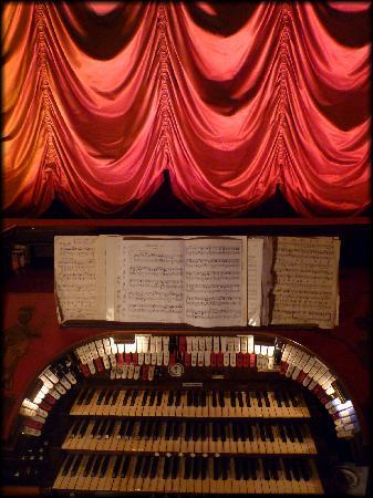 The Kinema in the Woods: The Compton Organ at The Kinema, Woodhall Spa