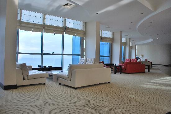 Charisma De Luxe Hotel: Lobby