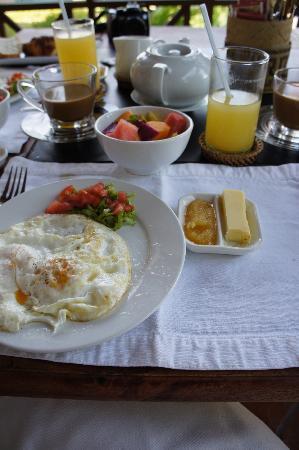 Mekong Estate: Breakfast