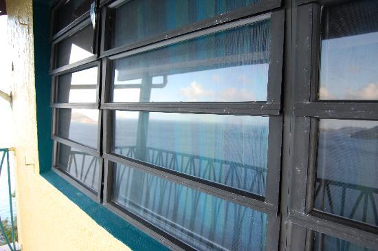 ذا هيريتيدج إن: shutters don't shut