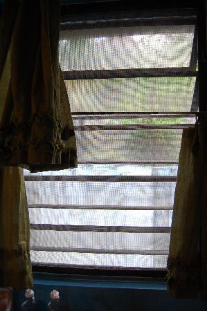 The Heritage Inn: shutters don't shut 2