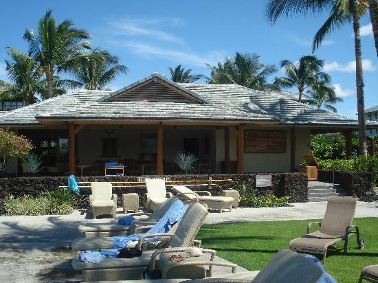 Kolea at Waikoloa Beach Resort: Beach club pool area