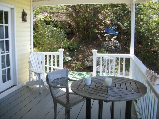 Galley Bay Cottages: Breeze Patio
