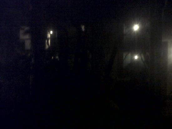 Santa Anita Inn: courtyard