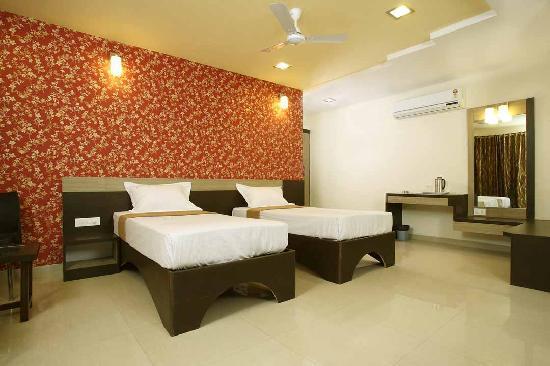 Prince Regency: Super Deluxe Room (twin Bed)