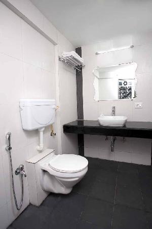 Prince Regency: Bathroom