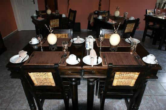 Africa Regent Guest House: Breakfast Table