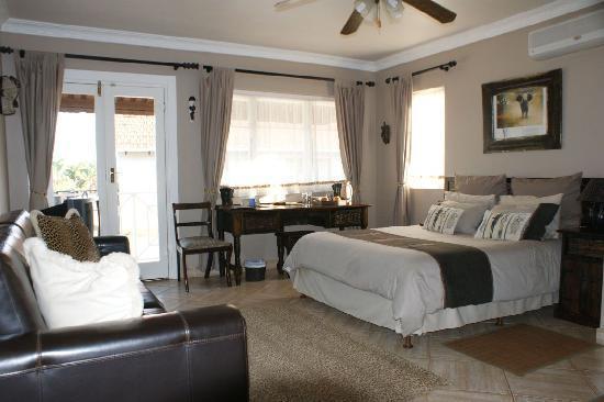 Africa Regent Guest House: Deluxe Elephant Room