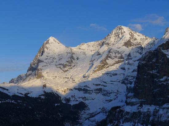 Eiger Guesthouse: Sunset view of the Eiger from our room