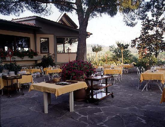 Residence Ristorante Golf Club Centanni: Restaurant Garden