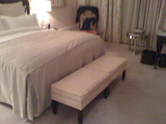 Castlemartyr Resort: Blick aufs Bett