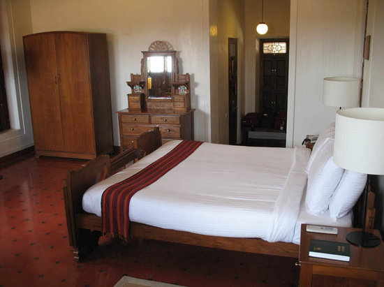 Visalam: Room with entry