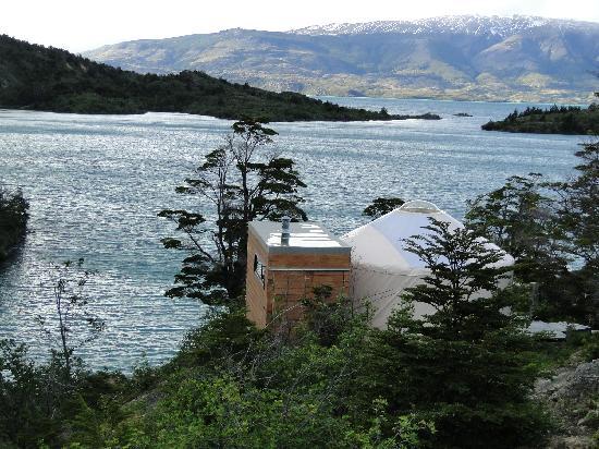 Patagonia Camp: Yurt frente al lago del Toro