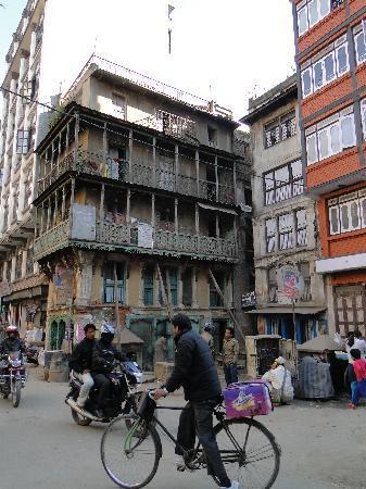 Hotel Ganesh Himal: Barrio donde está ubicado el hotel