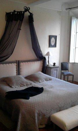 Le Chateau de Saint-Come: le lit