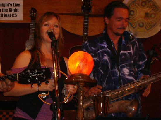 Imagine Live Music Bar: Sue and Eric