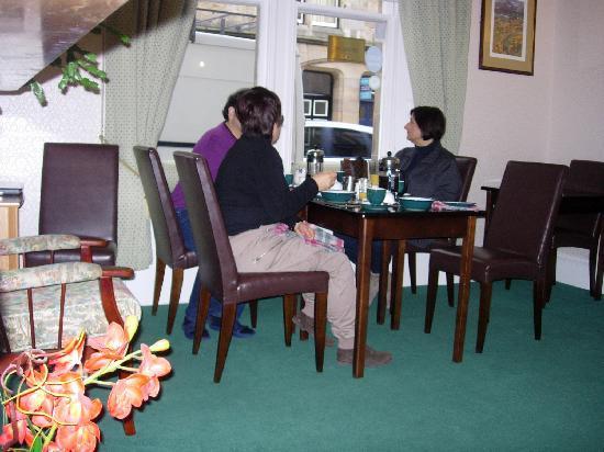 Lorimer Guest House: breakfast in relax