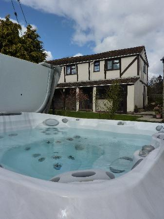 May Hill View: Jacuzzi Spa Hot Tub