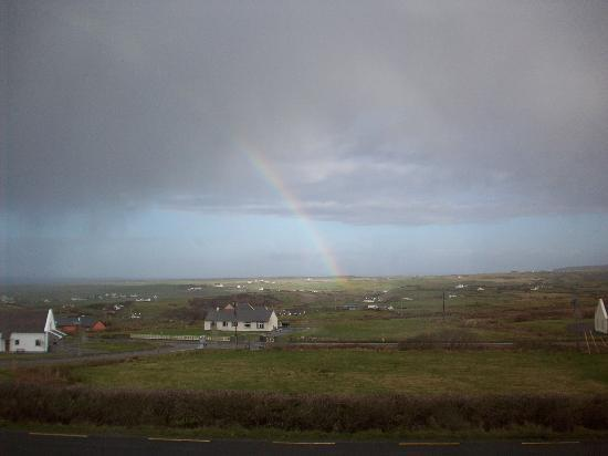 Harbour View Bed & Breakfast: Rainbow over Doolin