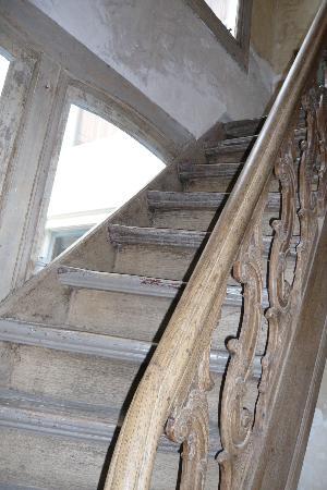 Casa Luna: Superb staircase