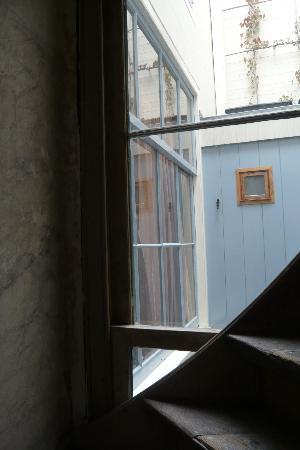 Casa Luna: window of our room + little window of our bathroom