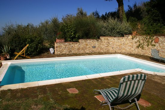 Hotel Antica Torre: Private pool in Torre Antica, relaxing holidays in Chianti