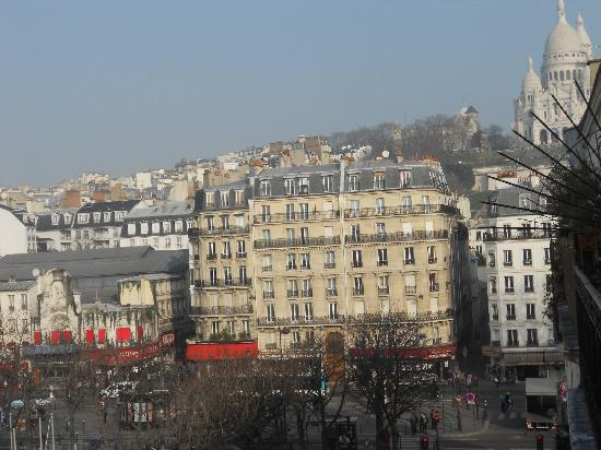 Hotel du Square d'Anvers: view from window