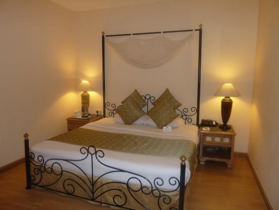 Country Inn & Suites By Carlson, Jalandhar : bedroom