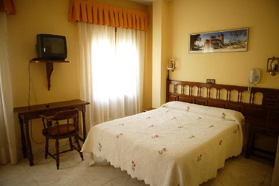 Hostal Don Jaime: Habitacion doble