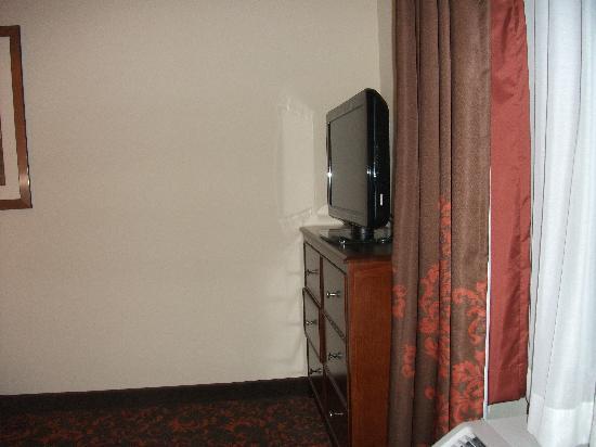 Hampton Inn & Suites Holly Springs: Flat Screen TV w/ SHO