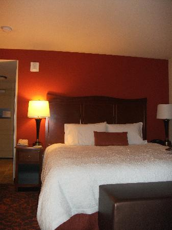 Hampton Inn & Suites Holly Springs: Great new linens and pillows