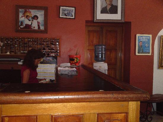 Hotel Del Carmen: la recepcion 2