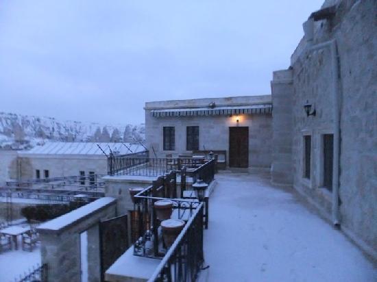 Goreme Suites: terrace place