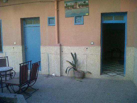 Toulousain Hotel: the yard with special rooms 1 and 2