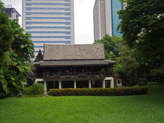 Suan Pakkad Palace Museum: One of the buildings in the museum