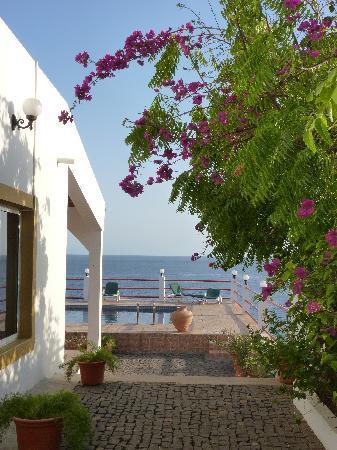 Espaco Por do Sol : piscine avec vue sur la mer